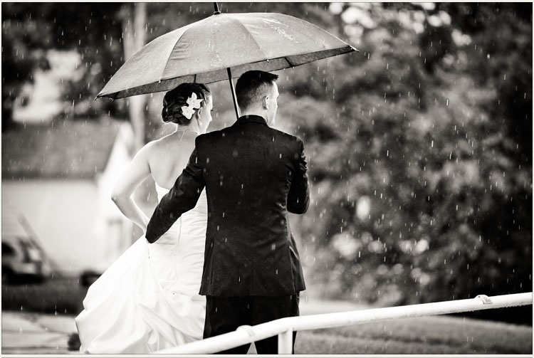 Bride and Groom Rain Photographs in Minneapolis Minnesota